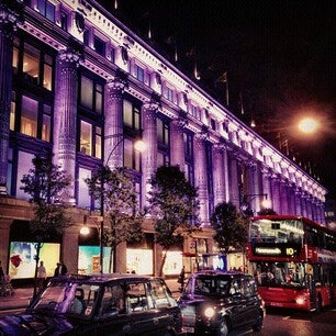 Photo taken at Oxford Street by Lizzy L. on 10/14/2013