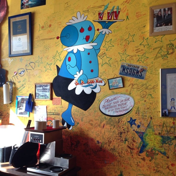 Photo taken at Squeeze In by Eva on 12/5/2013
