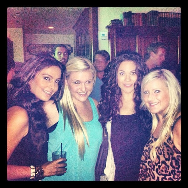 Photo taken at Malarky's Irish Pub by Brittany💕 on 8/18/2012