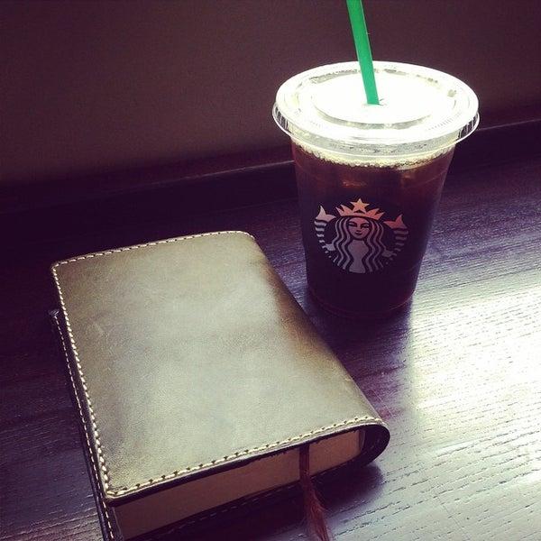 Photo taken at Starbucks by Yasushi K. on 9/25/2014