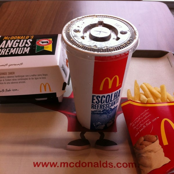 Photo taken at McDonald's by Íris F. on 2/9/2013