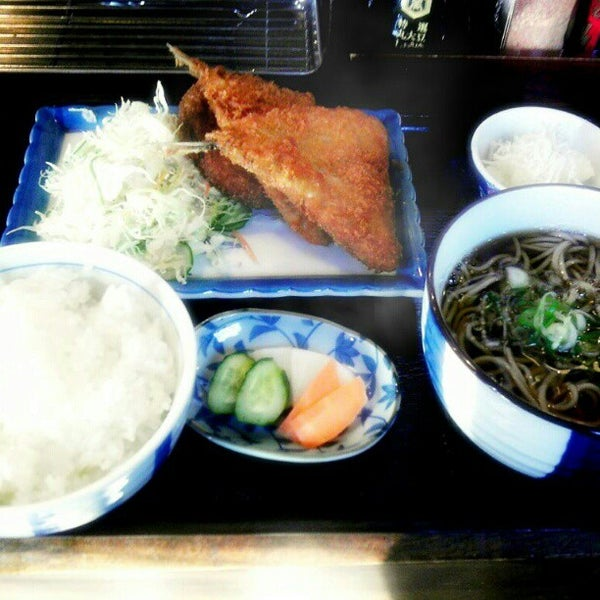 Photo taken at 食堂さくら屋 by Urah A. on 12/14/2012