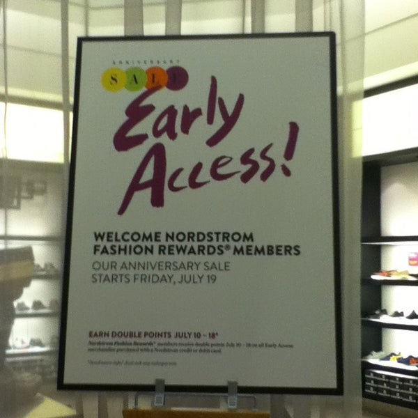 Photo taken at Nordstrom by Lili H. on 7/10/2013
