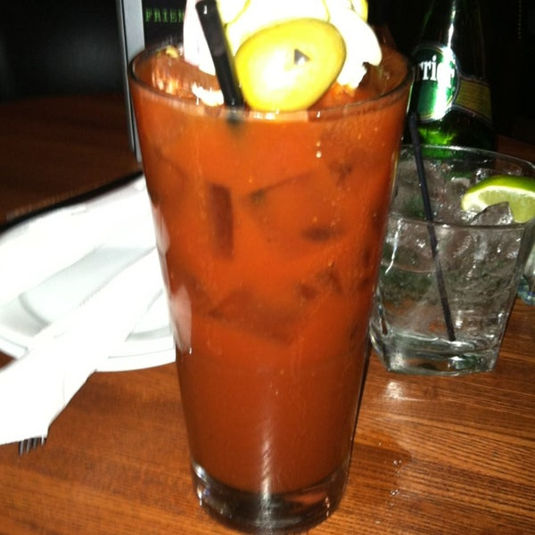 Photo taken at Bar Louie Mohegan Sun by Shannon M. on 2/24/2013