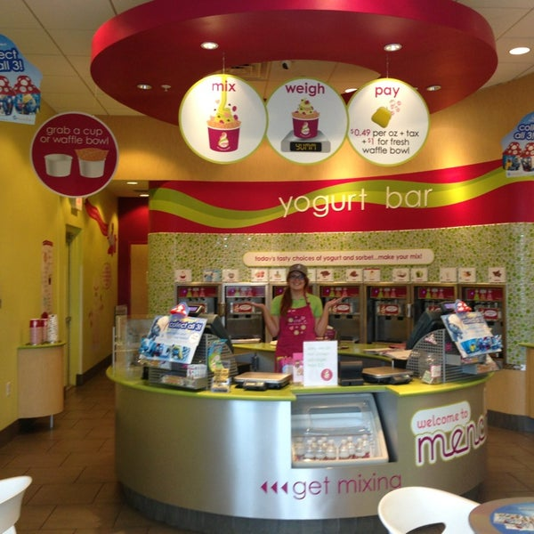 Photo taken at Menchie's Red Bug Village by Dámaris S. on 7/7/2013