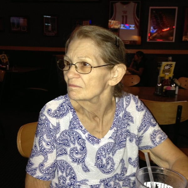 Photo taken at Buffalo Wild Wings by Debra B. on 8/6/2013