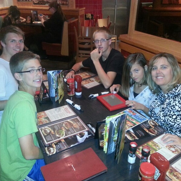 Photo taken at Red Robin Gourmet Burgers by Matt R. on 6/1/2014