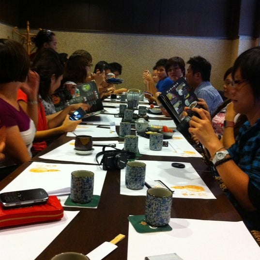 Photo taken at Hyotan Japanese Restaurant by Houdy L. on 7/1/2011