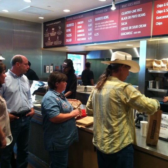 Photo taken at Chipotle Mexican Grill by Christopher S. on 8/29/2011
