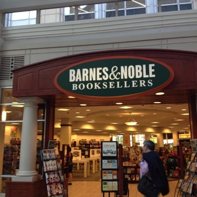 Barnes & Noble - Prudential - St. Botolph - 37 tips