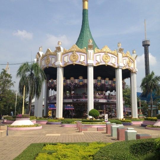 Photo taken at Siam Park City (สยามพาร์คซิตี้) by NoRrA J. on 11/11/2012