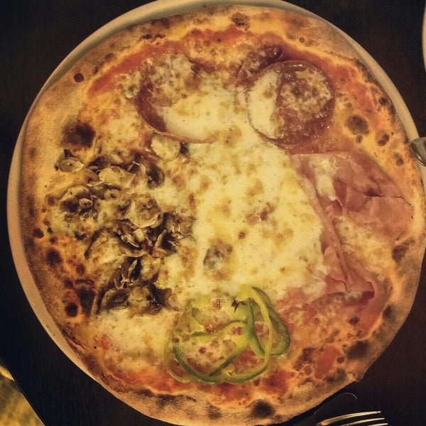 Photo taken at Very Italian Pizza by Alexander K. on 3/20/2016