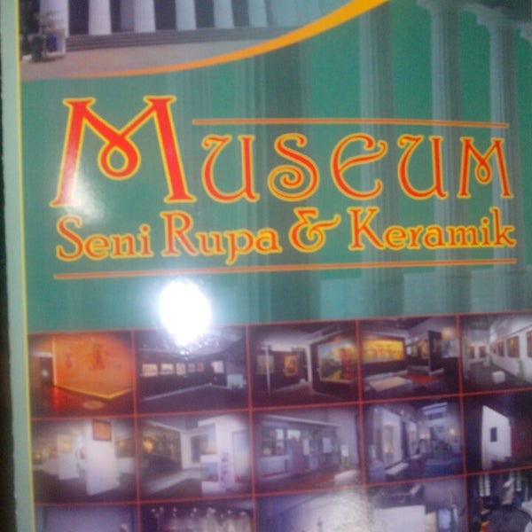 Photo taken at Museum Seni Rupa dan Keramik by √ênniέ •̃⌣•̃‎​ √ҼĻõ√Ҽ ^. on 8/10/2013