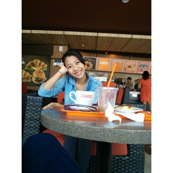 Photo taken at Dunkin' Donuts by Eka C. on 9/17/2014
