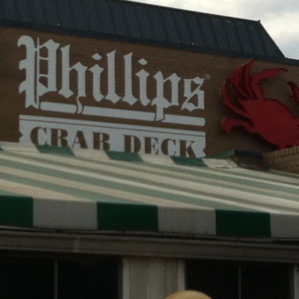 Photo taken at Phillips Seafood by 🚍Bill🚍 V. on 5/16/2013