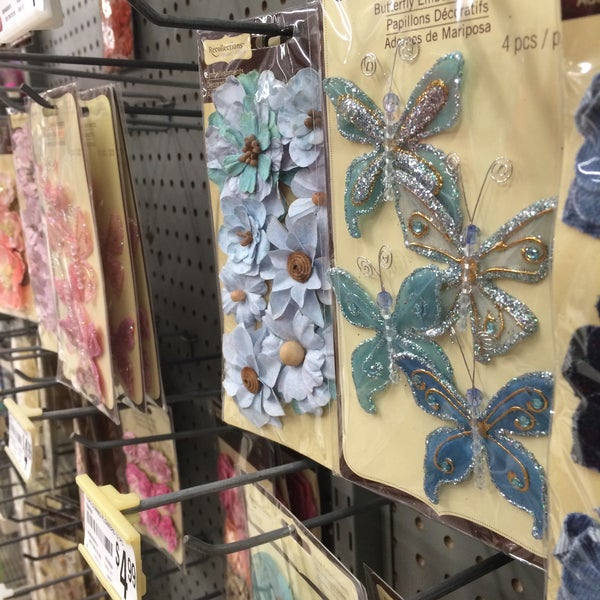 Michaels arts crafts store in houston for Michaels craft store houston texas