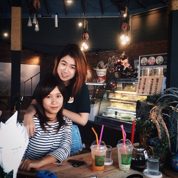 Photo taken at MR.COFFEE by PEPESZ J. on 4/1/2015