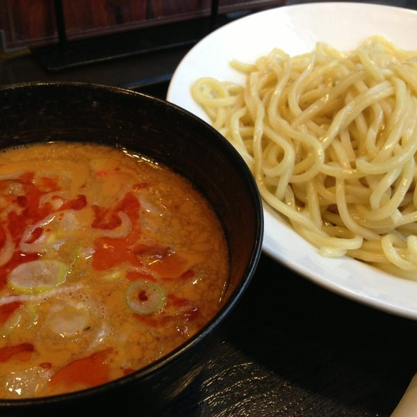Photo taken at 三ツ矢堂製麺 下北沢店 by Mikan M. on 1/11/2014