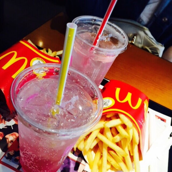 Photo taken at McDonald's by イデミ on 3/20/2016