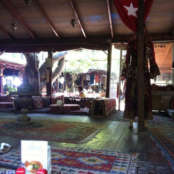 Photo taken at Yavuz'un Yeri by Ezgi G. on 8/10/2013