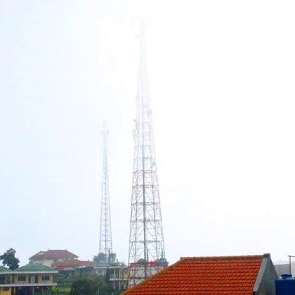 Photo taken at Telaga Sarangan by Yusuf P. on 12/26/2014
