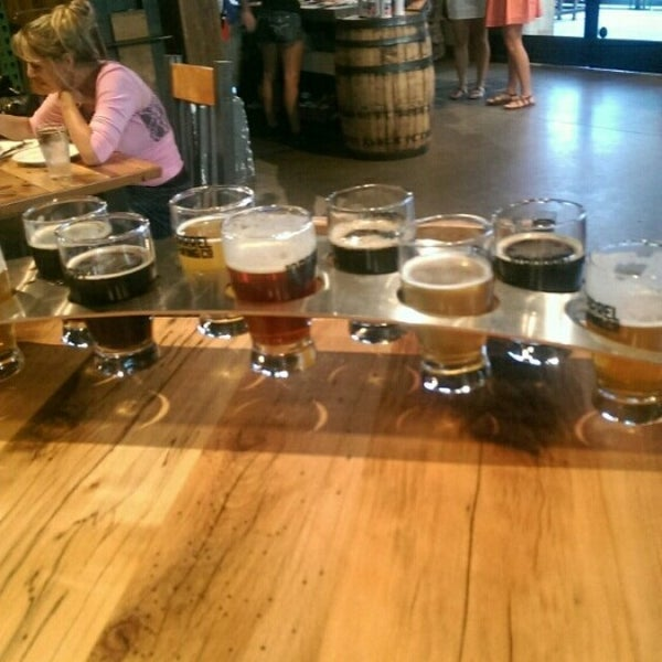 Photo taken at 10 Barrel Brewing by Anne W. on 7/10/2014