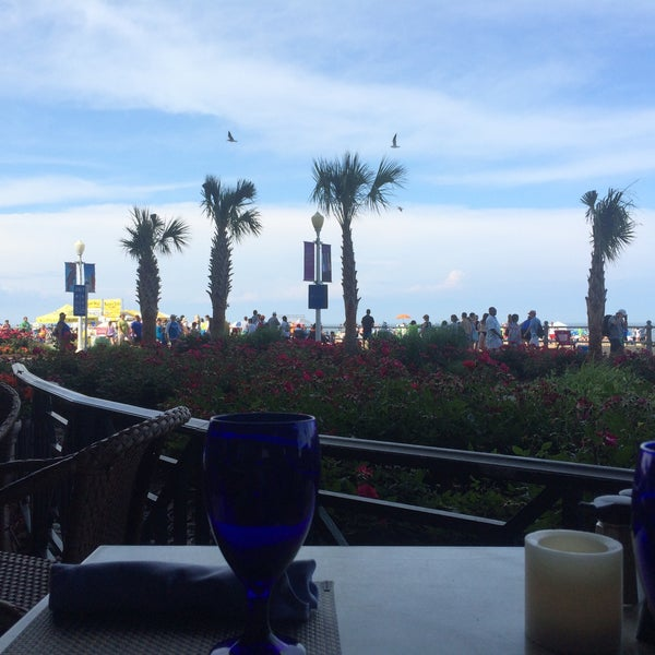 Photo taken at Catch 31 Fish House and Bar by Fox F. on 6/6/2015