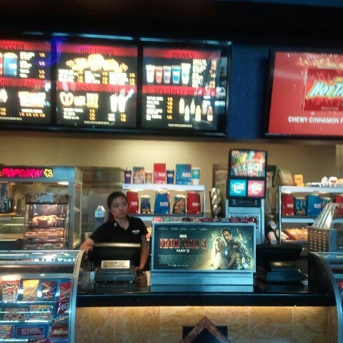 Photo taken at Harkins Theatres Tempe Marketplace 16 by Kelli D. on 4/28/2013