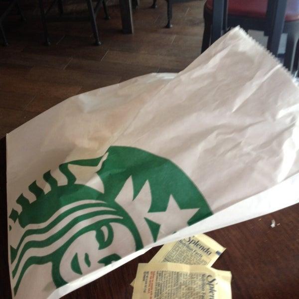Photo taken at Starbucks by Solange W. on 5/14/2013