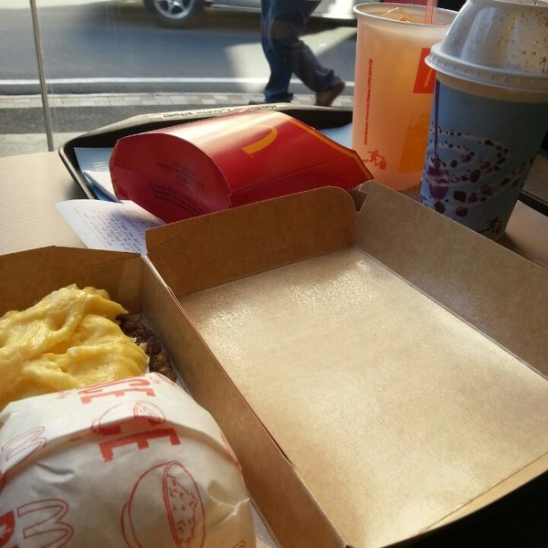 Photo taken at McDonald's by Lawrence L. on 4/29/2013