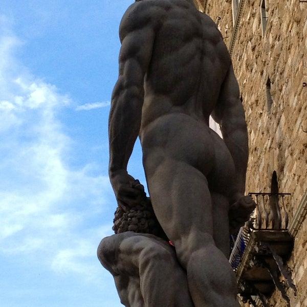 Photo taken at Galleria degli Uffizi by Paul S. on 5/11/2013