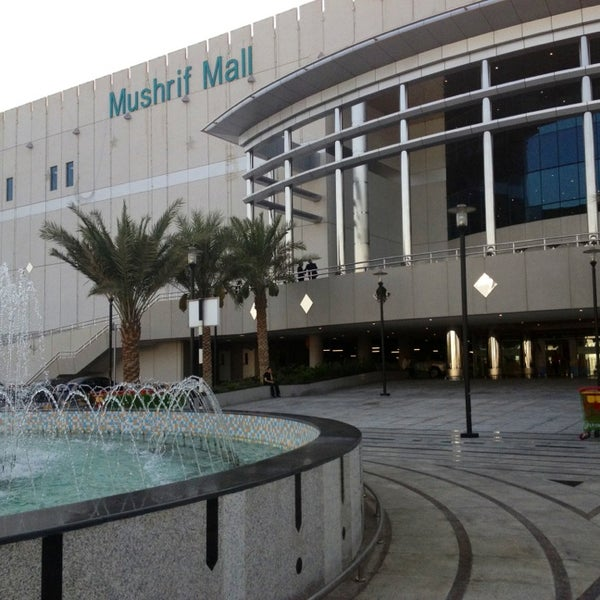 Photo taken at Mushrif Mall | مشرف مول by Thisara D. on 6/24/2013