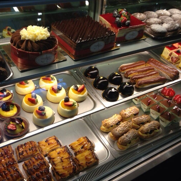 Photo taken at Almondine Bakery by Ratthazart H. on 1/5/2014