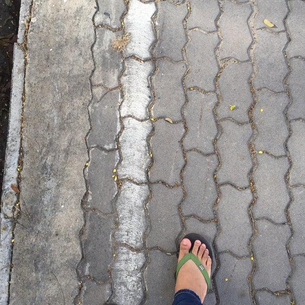 Photo taken at หน้า ม.มหิดล ศาลายา by Duck P. on 8/23/2015