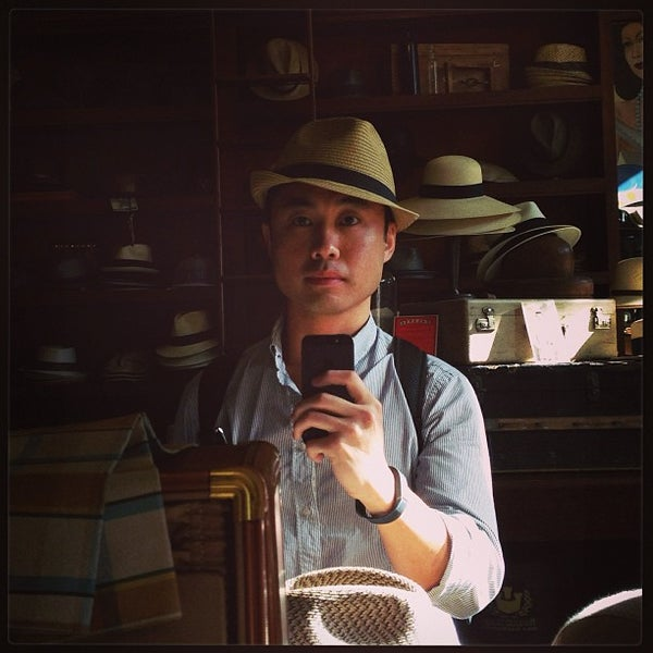 Photo taken at Goorin Bros. Hat Shop by Lester L. on 7/14/2013