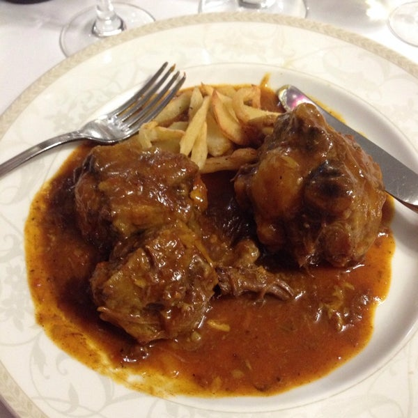 Photo taken at Restaurante El Caballo Rojo by Igor Z. on 5/3/2014