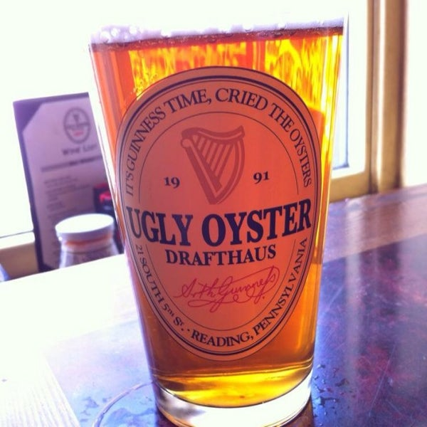 Photo taken at Ugly Oyster Drafthaus by Sean L. on 12/12/2013