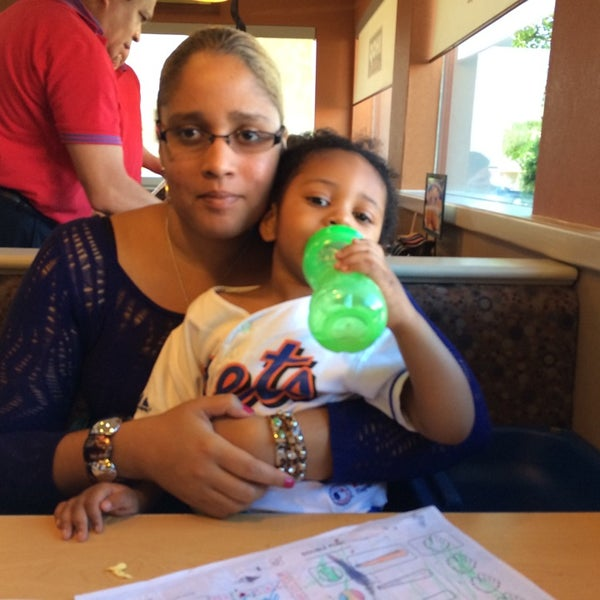 Photo taken at IHOP by Melissa D. on 7/6/2014