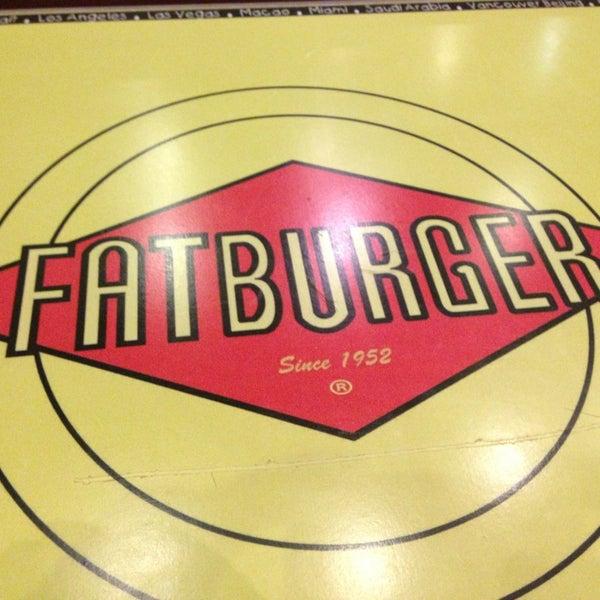 Photo taken at Fatburger | فات برجر by Sultan B. on 6/27/2013