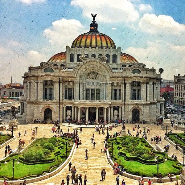 Palacio de bellas artes teatro de pera en downtown for Arquitectura 7 bellas artes