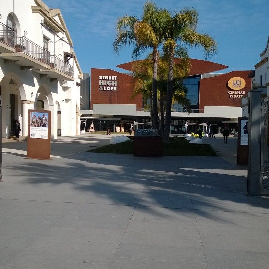 Photo taken at Fashion District - Molfetta Outlet by Diego D. on 1/29/2014