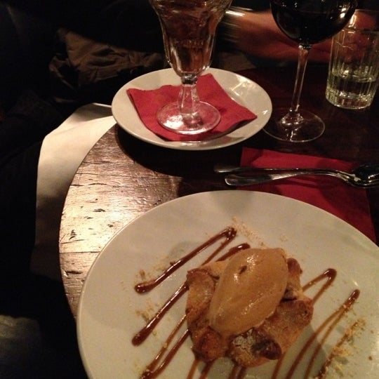 Photo taken at Hawksmoor Spitalfields by Jonas on 11/4/2012