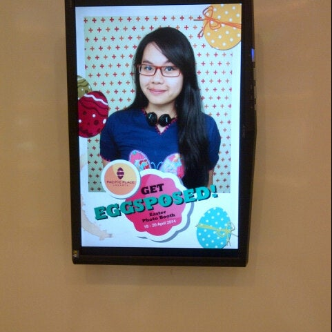 Photo taken at Pacific Place by Mashashy N. on 4/18/2014