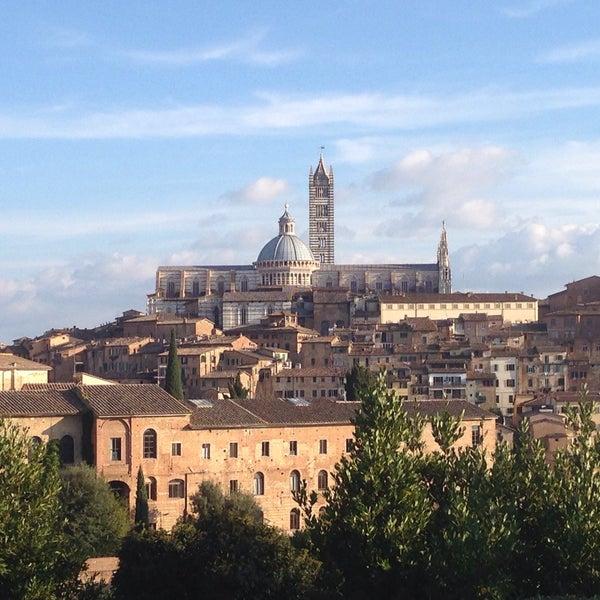 Photo taken at Siena by Mayara B. on 11/14/2015