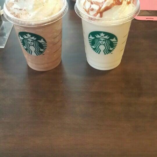 Photo taken at Starbucks by Dewi i. on 1/27/2016