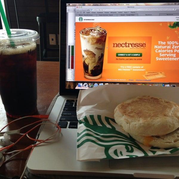 Photo taken at Starbucks by Marek B. on 6/22/2013