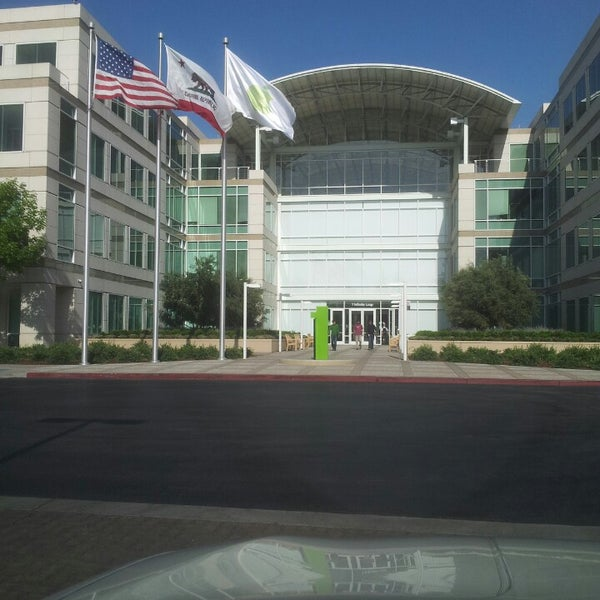 Photo taken at Apple Inc. by Mr Biggins on 4/26/2013