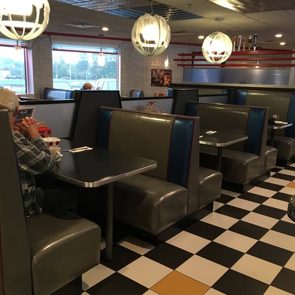 Photo taken at Roundabout Diner & Lounge by Amy C. on 10/9/2016