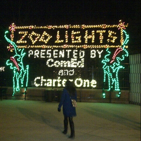 Photo taken at Lincoln Park Zoo by Greg B. on 1/5/2013