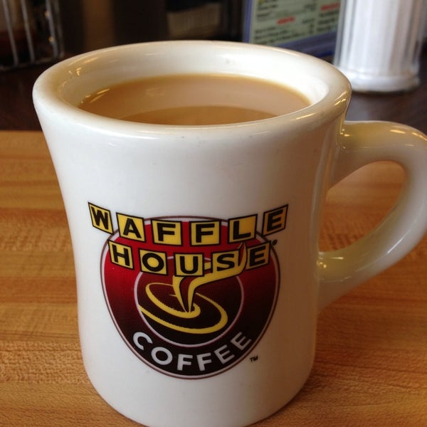 Photo taken at Waffle House by Mackenzie M. on 7/21/2013